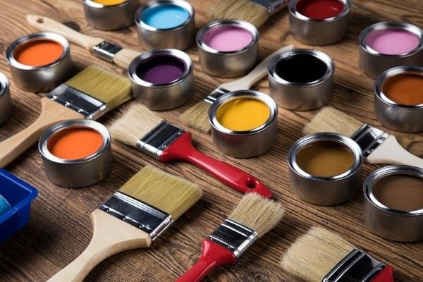 Que trouve-t-on réellement dans un pot de peinture ?