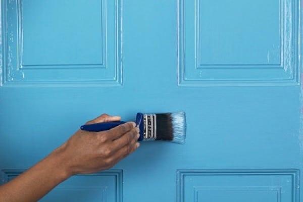 Peindre une porte bleue siapoc - Peindre une porte en bois deja peinte ...