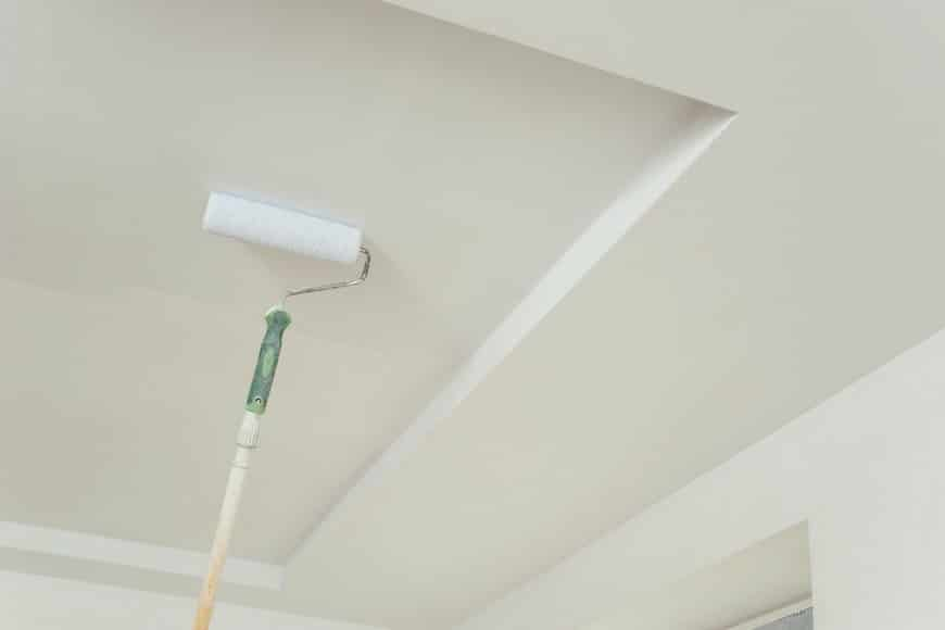 8 conseils pour peindre un plafond comme un pro